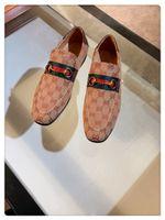 ingrosso fibbia in barca-Mocassini uomo di lusso fatti a mano marchio di stilista italiano metallo lettera fibbia slittamento su scarpe da barca scarpe di tela casuali