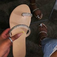 single slipper groihandel-Neue Strass Helle Diamant Hausschuhe Diamant Flache Sandalen Outdoor Strand Schuhe Wilden einzigen Finger Flip Flop Mode PH-CFY20041631
