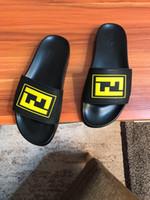 pantoufles en cuir italien hommes achat en gros de-Nouvel été italien marque pantoufles hommes qualité en cuir plage fond plat intérieur sandales hommes chaussures de sport taille 40-44