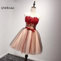 vestidos curtos toptan satış-Yeni Varış Kısa Kokteyl Elbise 2019 Diz Boyu Sheer Kokteyl Elbiseleri Parti Vestidos Curtos De Renda Para