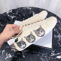 ingrosso scarpa piatta gatto-Paio di scarpe 2019 Nuovo tipo di pelle pizzo rotondo testa fondo piatto piccolo bianco singolo scarpe Mystic Cat Cat stampato scarpe da tavola per il tempo libero