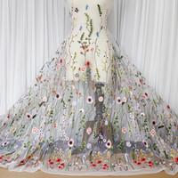 ingrosso fiori ricamati tessuti in pizzo-Tessuto da sposa in tulle ricamato con motivo floreale tessuto in tulle con motivo floreale