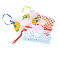 Fashion Wipes Carrying Case Clutch and Clean Wet Wipes Bag for Stroller Cosmetic Pouch with Easy-Carry Snap-Strap
