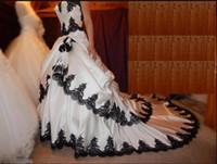 desfiles de desnudos negro al por mayor-Vestidos de novia en blanco y negro Vestido de novia gótico Apliques de encaje con gradas Vestidos de novia Largo con cordones Volver Satén Vestidos de novia de novia elegantes