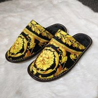 Wholesale comfortable slippers for men resale online - Luxury classic print designer slippers for men women autumn winter slippers comfortable cotton multi color optional home shoes