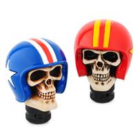 perilla de cambio de marcha calavera al por mayor-Universal Wear hat Skull Car Gear Stick Shift Perilla Manija Operación manual Palanca de cambio Resina