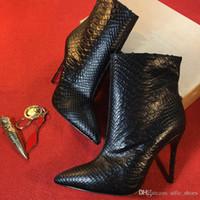 plattformschuhstiefel schwarz großhandel-Damen Designer Boot schwarz High Heels Ankle Boot Rote untere Spikes Stiefel Plattform Mode Stiefel 100% Leder Schlangenhaut Winterschuhe