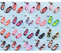 ingrosso sandali mini melissa-Sandali antiscivolo per bambini Cartoon Mini Melissa Scarpe di design Fori morbidi e traspiranti Sandali di gelatina arcobaleno Scarpe da spiaggia per pantofole da donna A61301