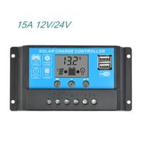 paneles solares reguladores de carga al por mayor-12V24V15A LCD Controlador de carga solar Regulador Controladores de conmutación para paneles solares de plomo y litio con carga universal USB 5 V