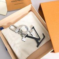 ingrosso chincaglieria donne-2019 designer portachiavi moda nuovo marchio portachiavi per le donne borsa auto catena chiave bigiotteria regalo di gioielli souvenir con scatola per regalo