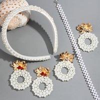 ingrosso la fascia coreana della perla bianca-Flatfoosie 2019 White Pearl fascia per mano di modo delle donne di stile coreano Hairbands Party Girls capelli accessori Headwear