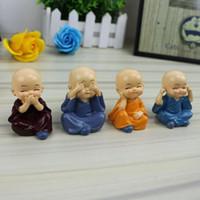 ingrosso set da giardino per bambini-Mini Monks FIGURINE 4pcs / set Car Decor Mini Fairy Garden action figures personaggio dei cartoni animati statua ornamenti modello in resina giocattoli per bambini AAA1440