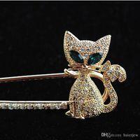 kore broşları toptan satış-Broş Güzel Mücevherat Fox Broş-Japonya ve Güney Kore Sıcak Satış Yeşil gözlü Kedi Tilki Taklidi Hayvan Broş Pin Noel Broşlar