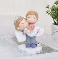 ingrosso matrimonio auto coppia-Cake baking couple wedding home decoration Creativo decorazione auto in resina regalo di San Valentino regalo creativo decorazione della casa di moda