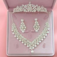 princesa rhinestone colgante al por mayor-Las mujeres de la marca de joyería de la boda conjunto collar de moda de cristal colgantes Rhinestone nupcial pendientes exquisito Crown Princess Set