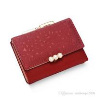 moda renkli çanta toptan satış-Toptan marka kadın çanta moda düz Şeker renkli kısa cüzdan küçük taze Inci dekorasyon öğrenci cüzdan zarif küçük deri c
