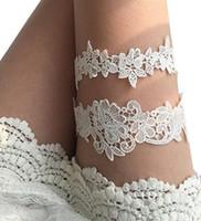 mavi gelinlik aksesuarları toptan satış-Beyaz 2 Parça set Gelin Bacak Dantel Garters Balo Örgün Jartiyer Gelin Düğün Jartiyer Kemer Dantel Açık Mavi Düğün Aksesuarları Içinde stok