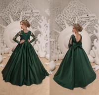 robes de soirée simples pour les filles achat en gros de-Amadabridal 2019 Vert Foncé Simple Élégant Fleur Filles Robes avec Manches Longues Arc Dentelle Satin Enfants Robes De Noce