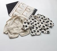 kinder tupfen großhandel-Mädchen Kinder Kleidung Langarm Shirt V-Ausschnitt Open Stitch Polka Dots Design Shirt Frühling Herbst Mädchen TOP 100% Baumwolle Kleidung