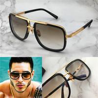 vintage metal gözlük toptan satış-Yeni lüks güneş erkekler tasarım metal vintage moda stil kare çerçeve açık koruma UV 400 lens gözlük ile kılıf