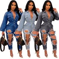 calça jeans macacão venda por atacado-Buracos na moda Rasgado Mulheres Jeans Macacões Azul Preto Sexy Mangas Compridas Botões V Neck Sash Washed Denim Calças Retas Macacão 2019
