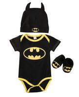 uzun rahat ayakkabılar toptan satış-3 Adet Yenidoğan Bebek Bebek Erkek Batman Tulum + Ayakkabı + Şapka Kıyafetler Set Pamuk Rahat LongShort Kollu Rahat Giysiler Hediye