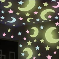 autocollants de plafond étoiles achat en gros de-Décoration de plafond autocollant créatif 3D stéréo lumière chambre lumineuse autocollants étoiles autocollants muraux stickers muraux fluorescents