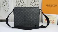 Wholesale 2019 new fashion leather handbag one shoulder bag double shoulder bag model M44000 size cm