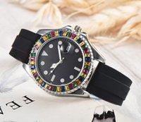 relógio de moda de calendário de silicone de quartzo venda por atacado-2019 homens de diamante mulheres relógio de moda calendário relógios de pulso de quartzo estudantes à prova d 'água de silicone de luxo dos homens das mulheres relógios