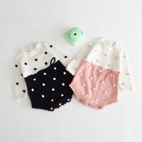 ropa de lana para niñas al por mayor-Ropa de bebé Primavera Otoño 100% algodón Tejido mameluco de cuello redondo Diseño de bola de lana Manga larga Chica mameluco Bebé ropa cuasual
