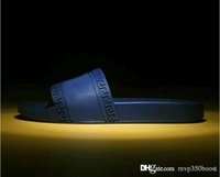 yaz flip flop erkek sandalet toptan satış-2019 YENİ Medusa çizikleri nedensel Kaymaz yaz Beyaz terlik Unisex çevirme terlik 38-46 flop Moda erkek ve kadınlar sandaletler çizgili varmak