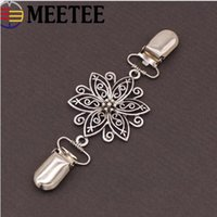 Wholesale diy craft pins for sale - Group buy European Retro Cardigan Clip Clothes Metal Buttons Hollow Decorative Buttons Buckles Garment Sweater Pins Brooch DIY Crafts