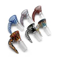 ingrosso parrucca di fumo-14mm 18mm maschio parrucca scodella ciotola di vetro con manico colorato inebrianti ciotole di vetro pezzo accessori per fumatori per bong d'acqua di vetro Dab Rigs tubi
