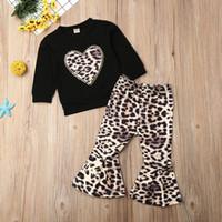 leopar kız eşofman toptan satış-Bebek Çocuk Bebek Kız Giyim Leopard Baskı Uzun Kollu Tişört Triko Uzun Kıyafet Seti 2PCS Eşofman Pantolon Flared Tops