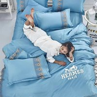 постельное белье для лошадей оптовых-Темно-Синий Новое Постельное Белье Кружева Письмо Вышивка Мода Спальня Лето Простыня 4 ШТ. Лошадь Дизайн Хлопок Постельное Белье