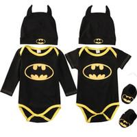 rompers set toptan satış-Yenidoğan Erkek Bebek Kız Elbise Batman Tulum + Ayakkabı + Şapka Kostümleri 3 Adet Kıyafetler Set