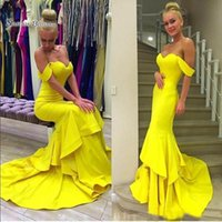 ingrosso vestito da promenade brillante-Brillante Giallo Off spalla Mermaid Ruffles Abiti da sera Abiti da ballo in raso Sweep Train 2019 Wear Party Dress Cheap