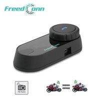 capacete moto piloto venda por atacado-FreedConn Motocicleta Intercom Bluetooth Capacete Headset T-COM FM 2 Pilotos BT Interphone Moto Intercomunicador Macio / Duro Mic