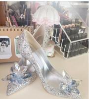 zapatos de diamantes de boda de cristal tacones al por mayor-Zapatos de novia Zapatos de dama de honor de Europa y las estrellas con los diamantes de imitación de tacón alto de Europa y la nueva boda de diamantes de Cenicienta.