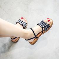 34 размер обуви оптовых-Женские сандалии Gingham Summer Shoes Женщина Пляжные сандалии на плоской подошве Флип-флоп Рыбак в римском стиле Дамские повседневные сандалии Размер 34-41