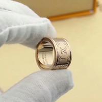 sacola velha venda por atacado-Anéis de Casamento do desenhador para Os Amantes de Designer de Marca 3 cores Anel Antigo Anel de Noivado Carta de Flor para Mulheres Dos Homens Com Saco