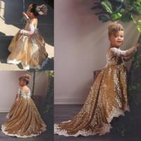özel yapılmış kız yarışması elbisesi toptan satış-Altın payetli Yüksek Düşük Kız Yarışması Gowns Dantel ile Şeffaf Uzun Kollu Wedding Tren Bebek Çiçek Kız Elbise Özel Made Sweep