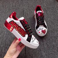 plataforma sapatos super pretos venda por atacado-Nova temporada sapatos de grife de moda de luxo sapatos de couro das mulheres plataforma de renda super grande único calçados esportivos branco preto casual sho feng190528