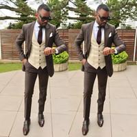 smokings marié à deux boutons achat en gros de-One Button Brown Slim Men Suits Beau Costume Groom Wear Costumes De Soirée Groomsmen Groom Tuxedos Men Business Suits Deux Pièce (Veste + Pantalon)
