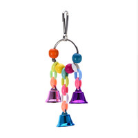 balançoires en bois achat en gros de-Jouet en bois naturel de balançoire de perroquets outil génial oiseaux cage de perche avec coloré Bells jouets oiseaux fournitures