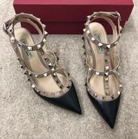 los zapatos claveteados liberan el envío al por mayor-2019 Nueva moda del envío libre de la boda de las mujeres picos de cuero de Borgoña Poined Toes tacones HEELED altos zapatos de tacón de aguja sandalias Slingback BOMBAS