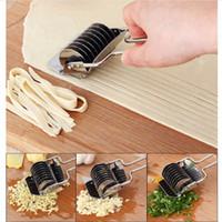 ingrosso rullo di pasta di reticolo-Acciaio inossidabile Noodle Lattice Roller Docker Dough Knife Cutter Pasta Spaghetti Maker Manual Noodle Press Utensili da cucina