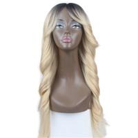 peruca loira escura cosplay venda por atacado-Top Venda Cosplay Dark Roots Loiro Longo De Seda Reta Onda Solta Resistente Ao Calor de Alta Qualidade Cabelo Sintético Glueless Perucas para As Mulheres Negras