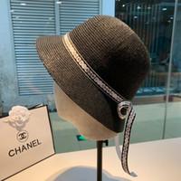charmes femmes chapeaux achat en gros de-Chapeau de concepteur été nouvelles dames crème solaire top qualité mode charme perle casquette de pêcheur léger respirant pliant WOMEN HATS