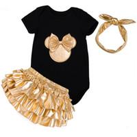 baby stirnband schuh groihandel-Baby-Kleidung 3pcs Kleidung Sets Weiß Schwarz Baumwolle Strampler Goldene Rüschen Bloomers Shorts Schuhe Stirnband Neugeborene Kleidung